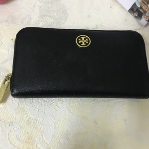 Tory Burch Robinson wallet